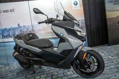 Siêu mô tô BMW Trung Quốc có giá rẻ bằng một nửa xe tại Việt Nam
