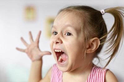 Cha mẹ đánh con có thể bị xử lý hình sự