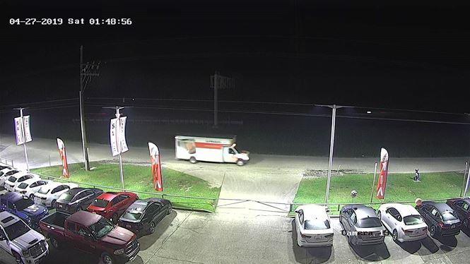 Trộm tháo 124 bánh xe trong một đêm, đại lý ô tô phát khóc