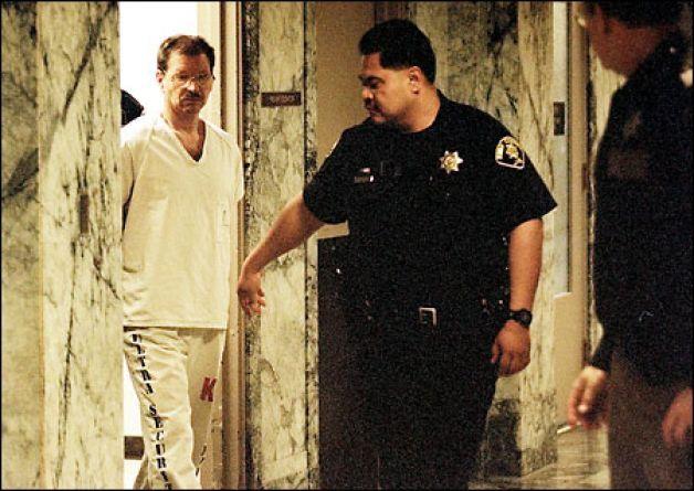 Sát thủ chuyên giết gái mại dâm và sở thích tình dục quái gở khiến 2 cô vợ 'chạy mất dép'