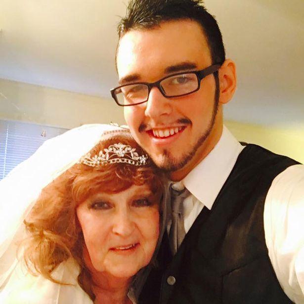 Chàng trai 19 yêu say đắm cụ bà 72 tuổi và đêm tân hôn đáng nhớ