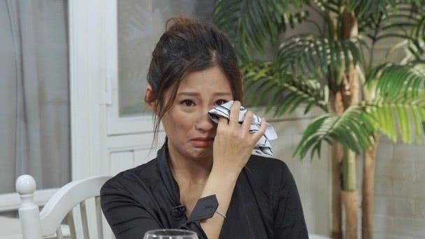 Con dâu khóc nức nở khi tiết lộ sức khỏe của Hồng Kim Bảo