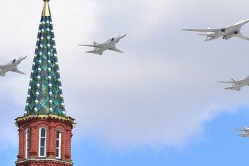 Màn trình diễn choáng ngợp của hàng chục máy bay Nga