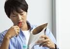 Song Joong Ki đeo nhẫn, fan vẫn lo lắng về tin đồn ngoại tình, ly hôn