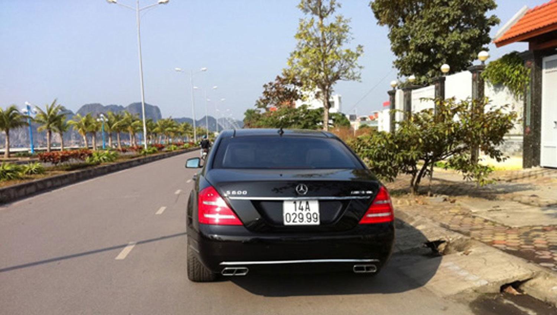 Choáng ngợp dàn siêu xe biển đẹp Quảng Ninh
