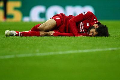 Liverpool trả giá cho chiến thắng: Run rẩy vì Salah