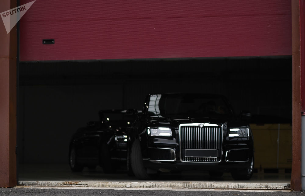 Mẫu siêu sang mui trần của Nga đối đầu với Rolls-Royce Dawn