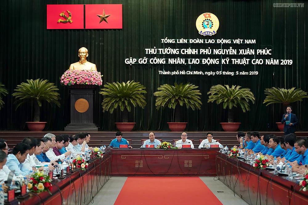 Thủ tướng muốn nghe 'tiếng nói từ trái tim, khối óc' của công nhân kỹ thuật cao