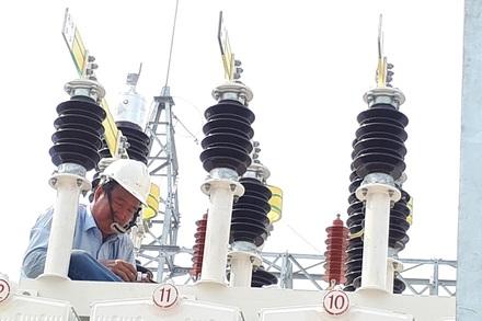 5.000 đồng/kWh, nguy cơ có tiền không mua được điện để xài
