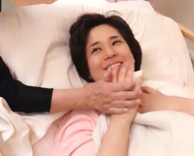 Nữ diễn viên phim 18+ Aoi Sora hạ sinh hai quý tử sinh đôi