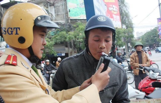 Vietnam mulls stricter penalties to drunk driving