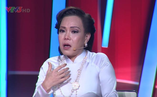 Hoài Linh, Minh Nhí chia buồn với Việt Hương khi ba qua đời