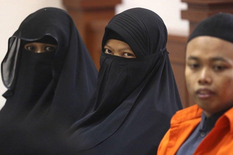 Vì sao ngày càng nhiều phụ nữ ôm con đánh bom liều chết?