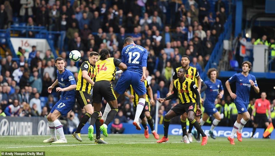 Hazard tỏa sáng, Chelsea lên hạng 3 Premier League