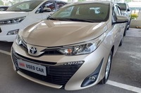 Tháng 5, giá ô tô xuống đáy, giảm tới 300 triệu đồng