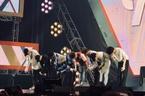 Chuẩn bị nhập ngũ, Xiumin (EXO) bật khóc trên sân khấu cuối cùng