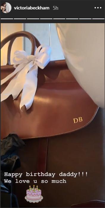Victoria Beckham tặng xịt khử mùi giá 7,5 bảng dịp sinh nhật chồng