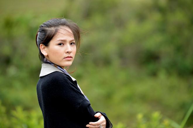 Những cảnh phim táo bạo của 'thánh nữ Mì Gõ' Phi Huyền Trang