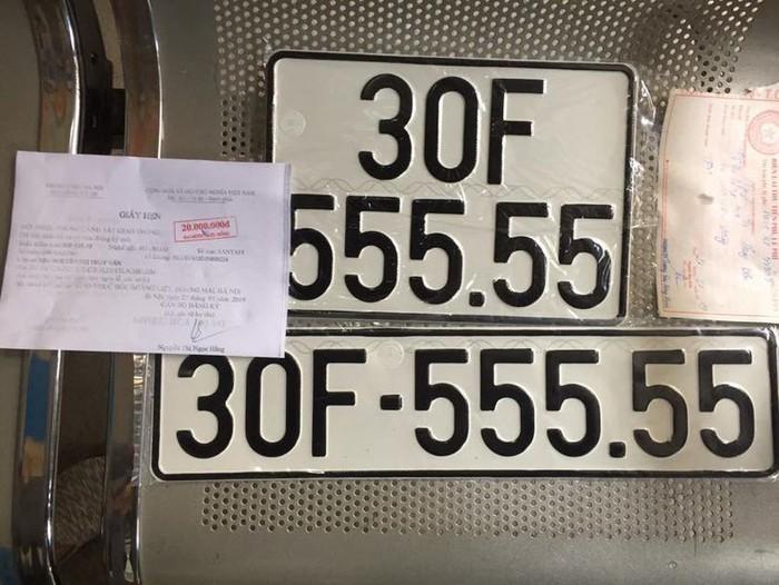 Đeo biển siêu 'khủng', loạt xe Hyundai SantaFe tăng giá gấp 3
