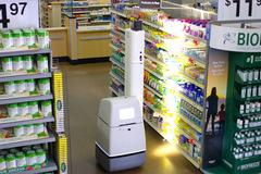 Robot AI sẽ 'xâm lăng' hệ thống hơn 5.000 Walmart tại Mỹ