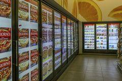 Kệ bán hàng thông minh dùng AI để đoán nhu cầu khách hàng