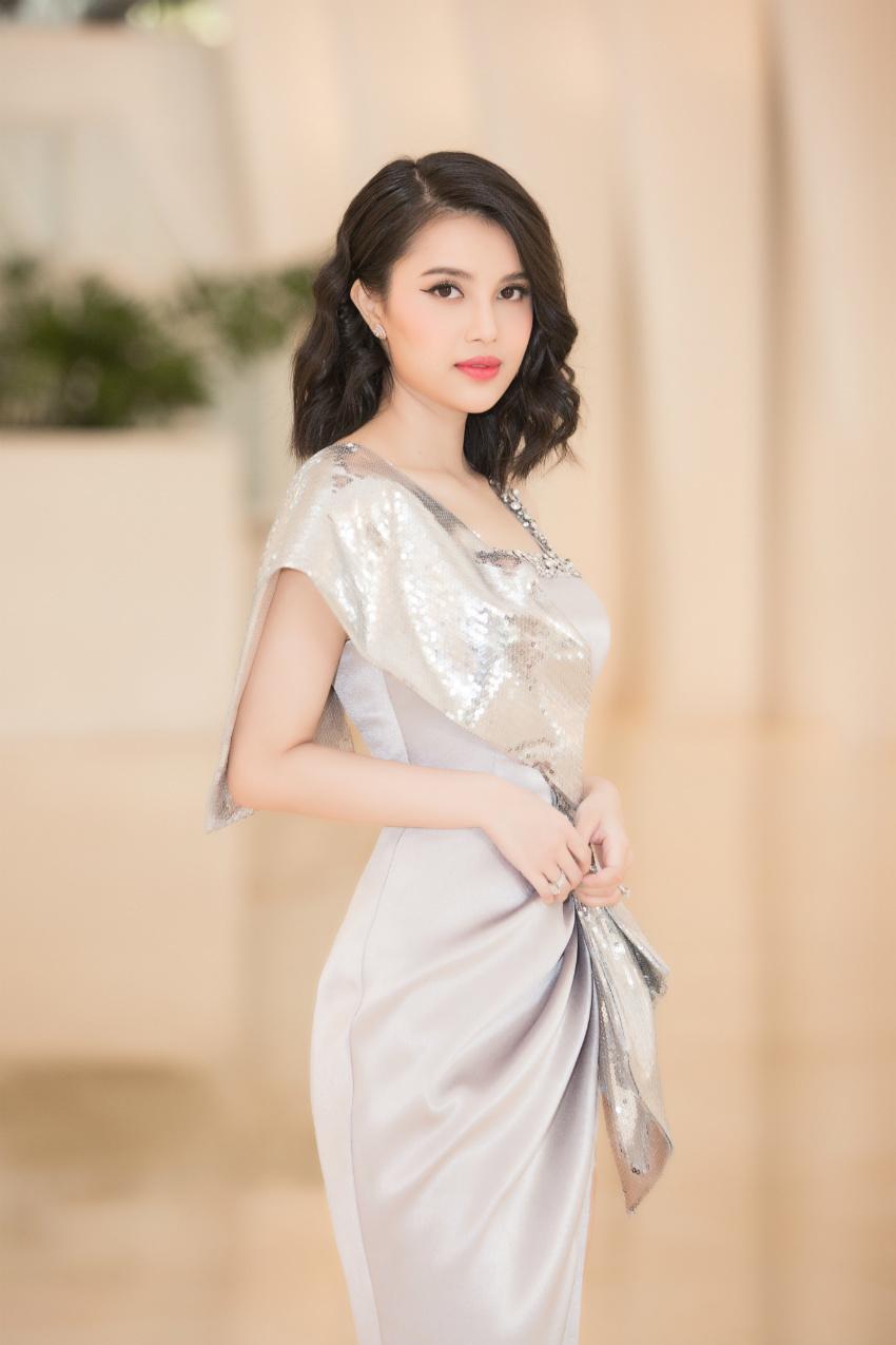 Hà Kiều Anh,Lệ Quyên,Trần Tiểu Vy