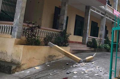 Cột bê tông trong trường học rơi trúng đầu, một học sinh tử vong