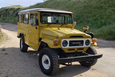 SUV đời cũ của Toyota bán đấu giá chỉ từ 100 triệu