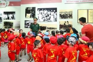 Exhibition spotlights Dien Bien Phu victory