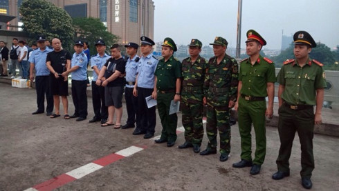 Vietnamese police arrest two Chinese fugitives