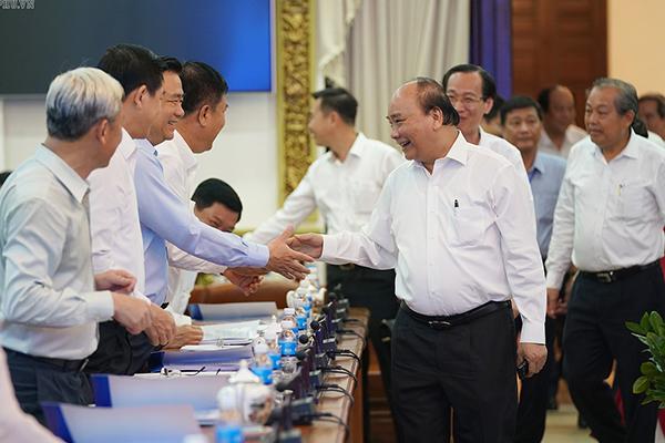 Thủ tướng chủ trì họp Tiểu ban KT-XH với TP.HCM và một số địa phương