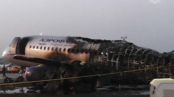 máy bay Nga,bốc cháy,đường băng