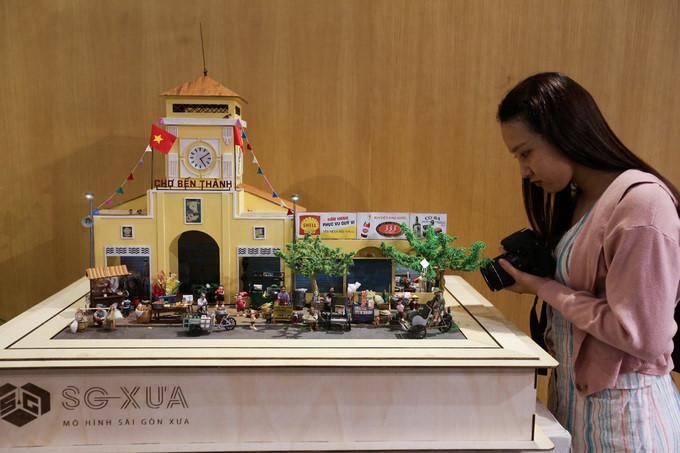 Old Saigon recreated through miniature models thrills crowds