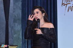 Thực hư tin Hương Tràm nghỉ hát vài năm sang Mỹ vì mang bầu