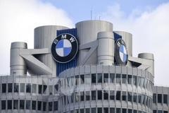"""""""Đại gia"""" BMW sụt 74% lợi nhuận vì dính bê bối"""