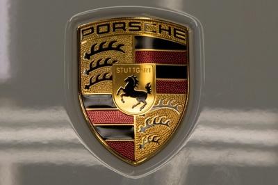 Hãng xe Porsche bị phạt 535 triệu Euro vì gian lận khí thải