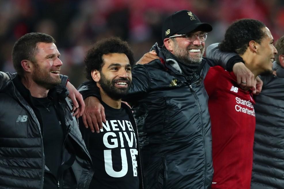 Cận cảnh 'cuồng phong đỏ' cuốn phăng Messi và đồng đội