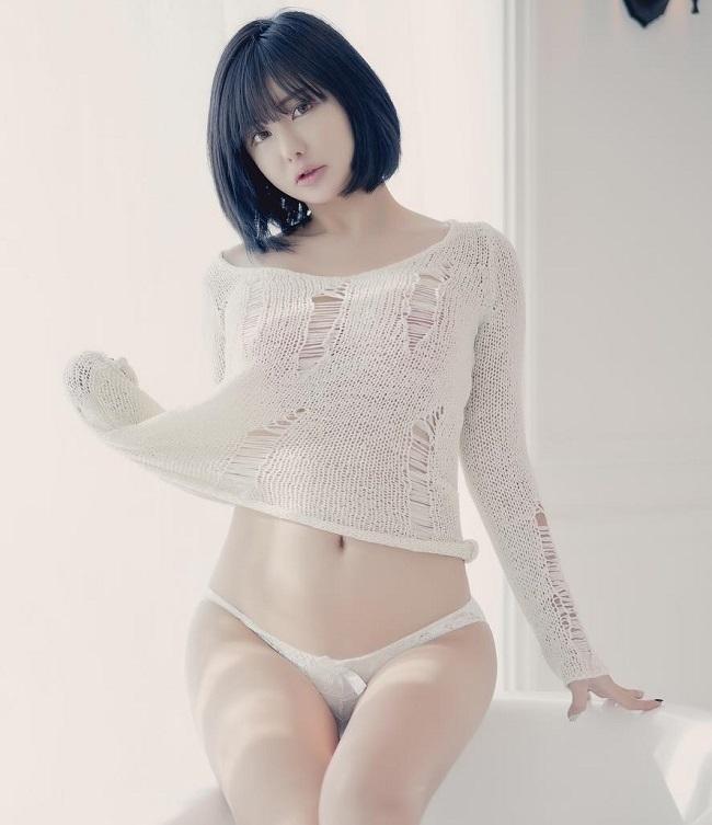 5 cô gái Hàn Quốc sở hữu mặt búp bê, thân hình nóng bỏng