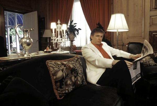 Ông Trump lỗ nặng, mất hơn tỉ đô