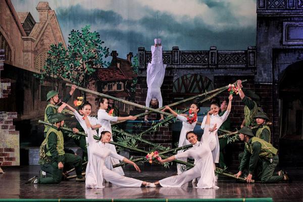 Int'l circus festival underway in Hanoi