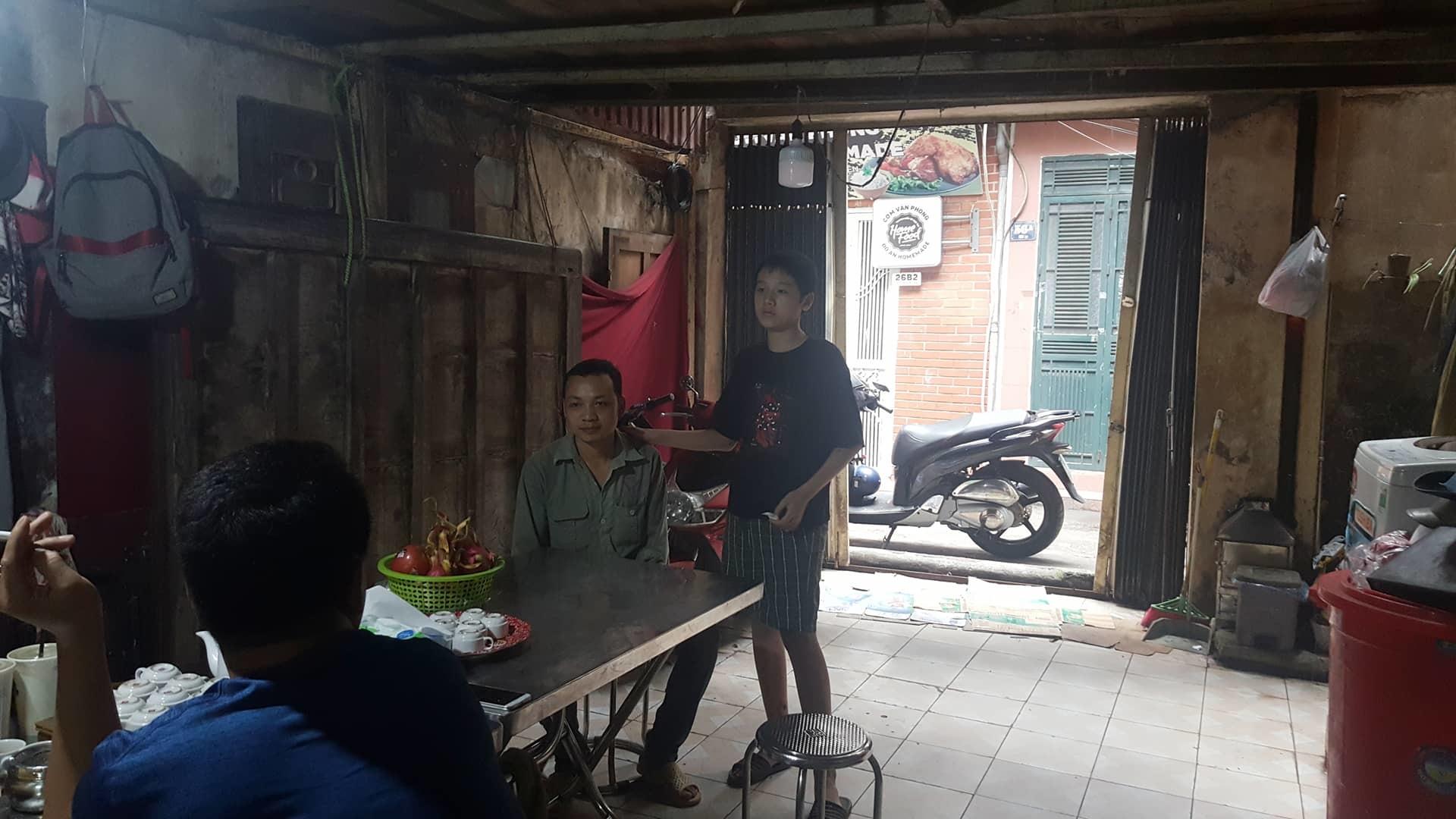 Chồng người phụ nữ mất ở hầm Kim Liên: 'Vợ nhận điện thoại giữa đêm, dắt xe đi mãi'