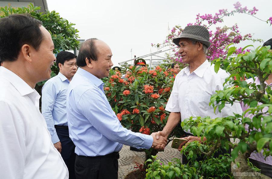 Thủ tướng tham quan triển lãm 'Thanh Hóa xưa và nay'