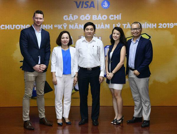 Visa giúp sinh viên chi tiêu thông minh