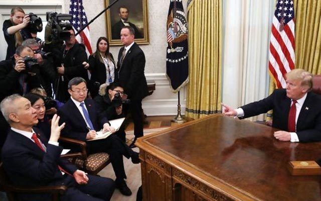 Mỹ hiện thực hóa đe dọa của ông Trump, tăng thuế 25% với hàng hóa TQ