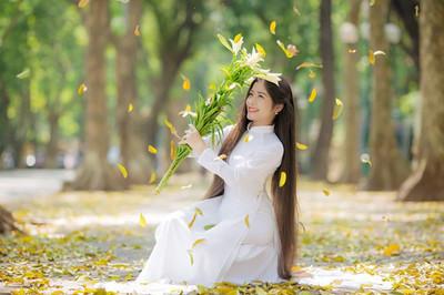 Nữ sinh viên sở hữu mái tóc dài 1m35, được gọi 'Công chúa tóc mây'