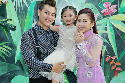 Con nuôi Kim Tử Long: Từ hát đám ma, đám cưới đến nổi tiếng được tặng xe hơi