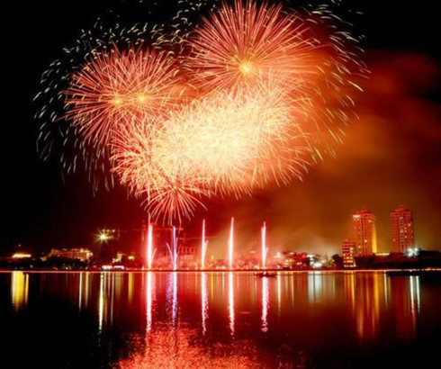 Firework display to celebrate opening of Nha Trang-Khanh Hoa Sea Festival