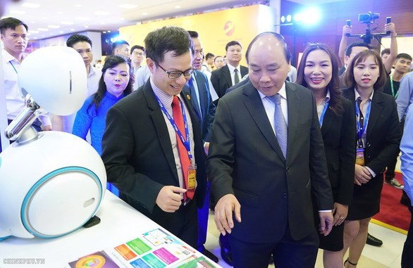 First national forum on Vietnam tech firms opens in Hanoi