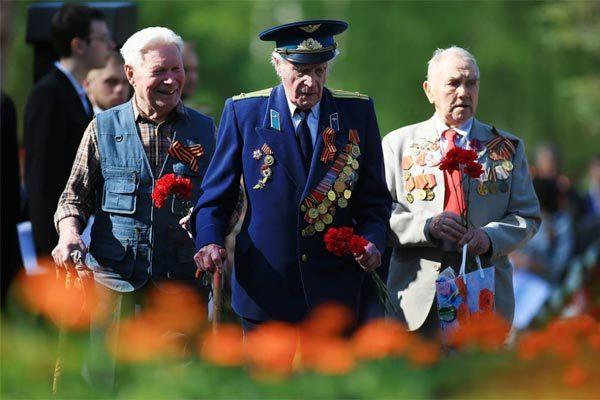 Lí do Nga bất ngờ hủy duyệt binh của dàn chiến cơ