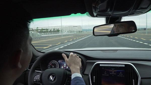 Những người đầu tiên lái thử xe VinFast nói gì?